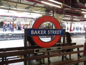 Estación Baker Steet de la líneas Hammersmith & City, Metropolitan, Bakerloo y Jubilee (1863).