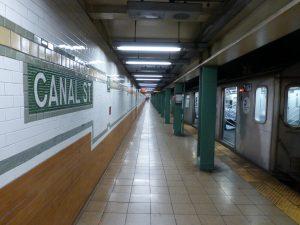 Estación Canal Street de la línea IRT Lexington Avenue (1904).