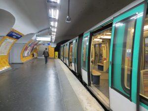 Estación Charles de Gaulle-Étoile de la línea 2 (1900).