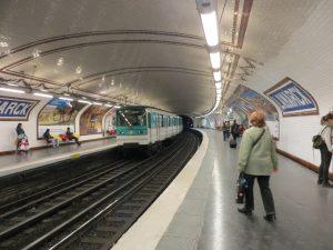 Estación Lamarck-Caulaincourt de la línea 12 (1912).