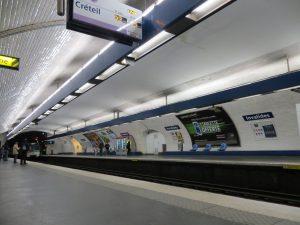 Estación Invalides de la línea 8 (1913).