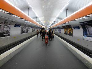 Estación La Motte-Picquet Grenelle de las líneas 8 y 10 (1913), restaurada en 2009.