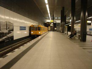 Estación Hauptbahnhof de la U55, tramo de futura extensión de la U5 (2009).