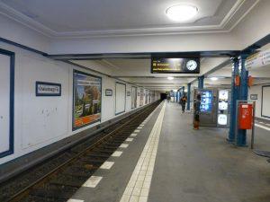 Estación Oranienburger Tor de la U6 (1923), cerrada entre 1961 y 1990.