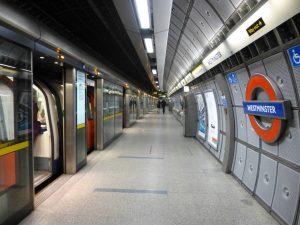 Estación Westminster de la línea Jubilee (1999).