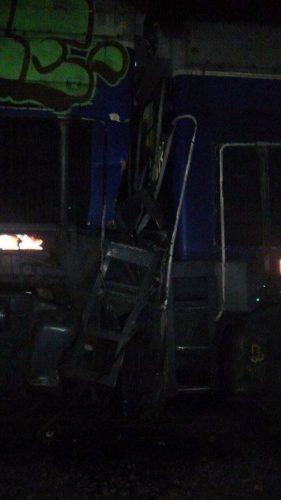Locomotoras A907 y A921. Detalle del impacto.