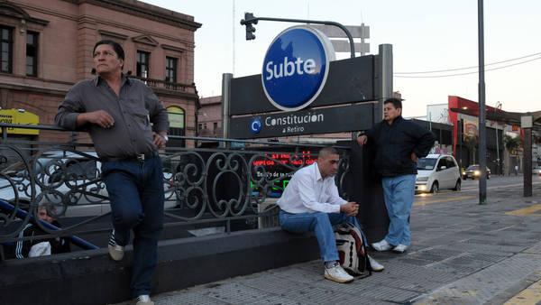 Metrodelegados rechazan acuerdo paritario y anuncian paros