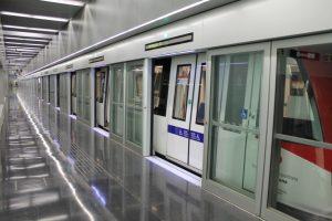 Puertas de andén en la línea 9 del Metro de Barcelona.