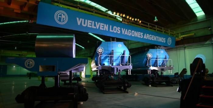 Macri importa vagones de China que se hacían en el país