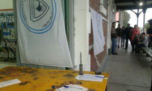 Junta de firmas en la estación Neuquén. Foto: Neuquén al Instante