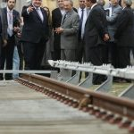 Instalan nuevo tercer riel de aluminio en la línea Mitre