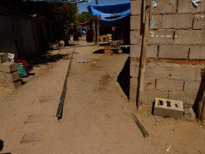 La vía, intrusada en cercanías de la estación Humahuaca.