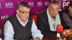 El administrador de Ferrobaires, cnel. (R) Dotti (derecha), en Bragado.