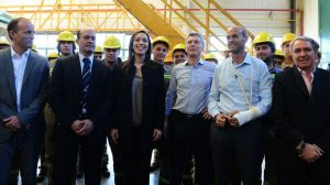 Macri, Dietrich, Vidal y Orfila en los talleres del Roca en Llavallol.