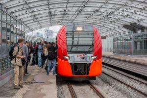 Un tren del Círculo Central de Moscú