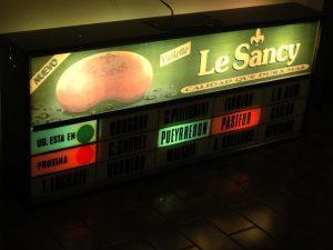 Sistema mecánico de aviso de estaciones de los coches Metropolitan-Cammell de la década del 70.