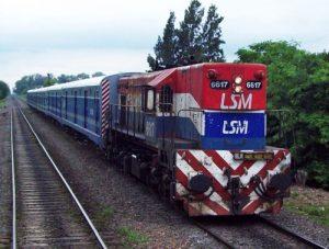 Ante la falta de máquinas se debió recurrir a locomotoras de las empresas de cargas, en este caso, de NCA.