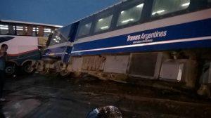 Choque del tren con un micro de larga distancia, en febrero pasado.