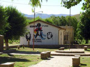 La estación de Iturbe está ocupada por un centro de la organización Túpac Amaru.