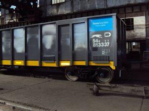 Uno de los últimos vagones carboneros reparados por los talleres Junín. Foto: COOTTAJ.