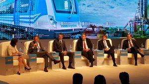 """En el """"Mini Davos"""" el gobierno promocionó la inversión privada en ferrocarriles y circunscribió los servicios de larga distancia a Rosario y Mar del Plata, y en segundo lugar Córdoba y Tucumán."""
