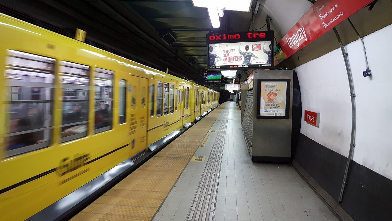 Resultado de imagen para Por el asbesto, estudiarán comprar trenes nuevos para la línea B
